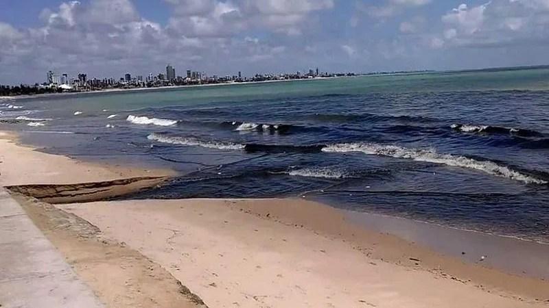 Litoral da PB tem três praias impróprias para banho; maré chega a 0,4 m