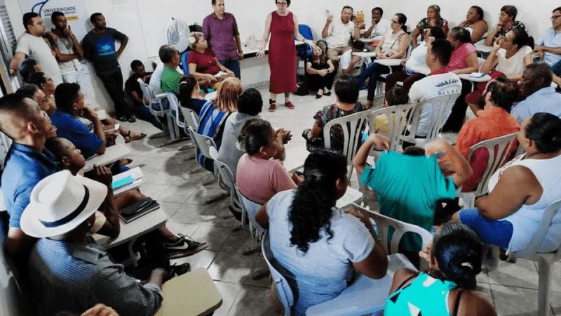 Prefeita Márcia Lucena aparece pela primeira vez utilizando tornozeleira eletrônica, em reunião com lideranças comunitárias de Conde