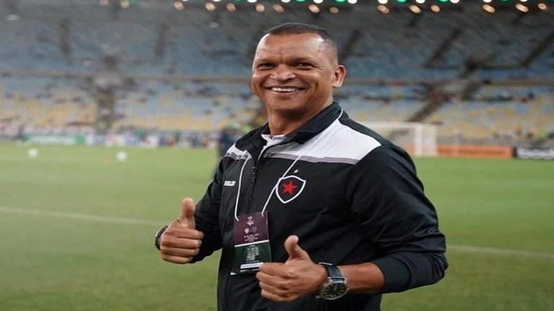 Sem técnico efetivo, Botafogo-PB se prepara para sequência de quatro jogos no Almeidão