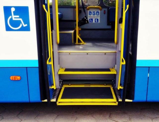 acessibilidade-onibus-consorcio-fenix-cadeirante-elevador-2
