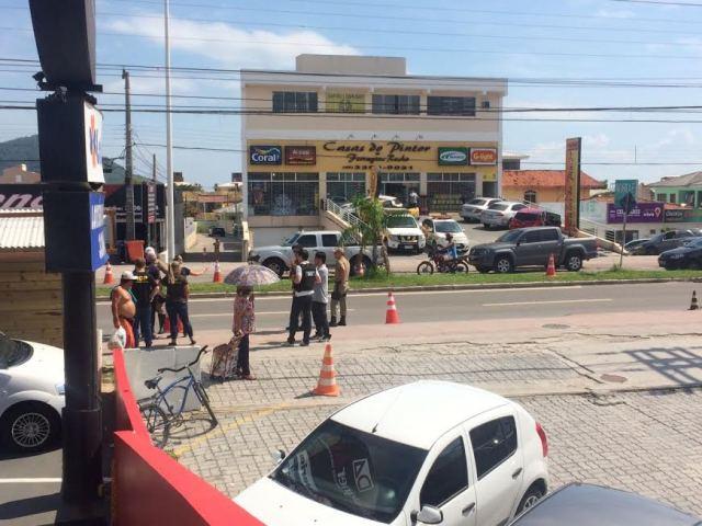 Polícia faz reconstituição do acidente com Camaro na Praia dos Ingleses