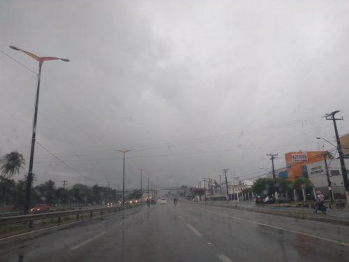 Instituto de Meteorologia emite alerta amarelo para municípios cearenses