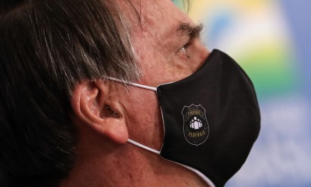 15.05.2020 - Brasília/DF - Presidente Jair Bolsonaro e a primeira dama durante Lançamento da Campanha de Conscientização e Enfrentamento à Violência Doméstica. Foto: Marcos Corrêa/PR