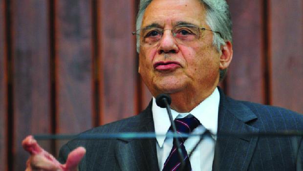 Ex-presidente tucano atribui racha na base aliada ao aliciamento de partidos pelo PT
