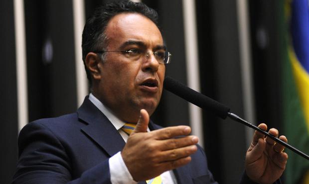 Deputado André Vargas se desliga do PT