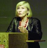 Chantal Mouffe, filósofa: a indistinção ideológica  é a morte da política democrática, pois semeia demagogia, que manipula fundamentalismos
