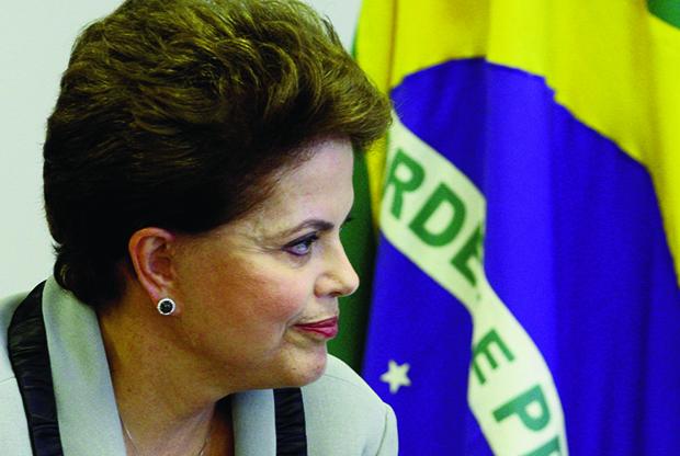 Dilma Rousseff: a liderança da presidente da República nas pesquisas parece que é inercial e mais devido à fragilidade de seus adversários, como Aécio Neves e Eduardo Campos | Celso Junior/AE
