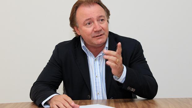 """""""Senti que se a oposição não se unisse, perderia. Como vai perder"""", afirmou Júnior Friboi, prevendo derrota do PMDB"""