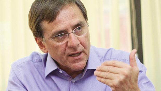 Petista Antônio Gomide aposta que é o único que pode derrotar o governador tucano Marconi Perillo