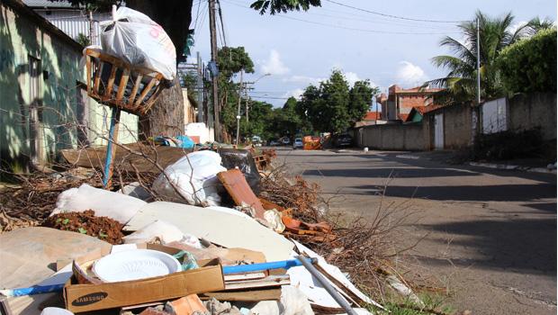 Governo de Goiás libera R$ 5,8 milhões para auxiliar Prefeitura de Goiânia com problema de coleta de lixo
