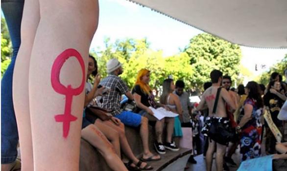 Diário de uma vagina: o árduo cotidiano da mulher contra o machismo da sociedade
