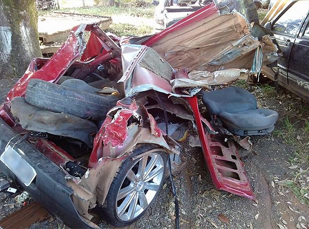 Outros quatro carros se envolveram na batida. Condutor do Gol, de 23 anos, não tinha CNH. Foto: Divulgação/PRF