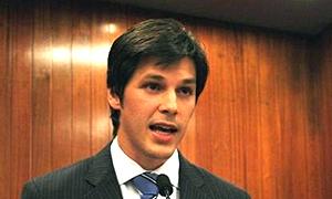 Daniel Vilela tem a cara do Marconi Perillo de 1998, embora seja menos experiente