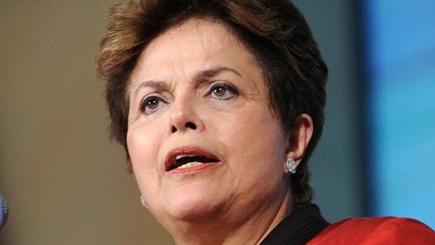 Dilma Rousseff, presidente do Brasil, e Marconi Perillo, governador de Goiás: a primeira espanta seus aliados e não conquista parceiros novos, o segundo é agregador e busca apoio de políticos que ainda não estão em sua aliança. Foto: Reprodução/TV