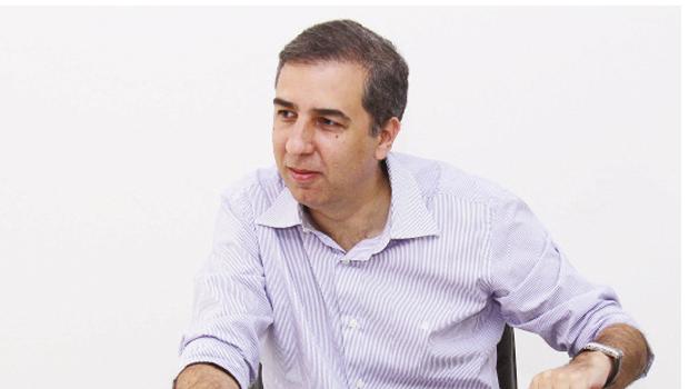 """Vice-governador lamenta """"partidarização"""" da discussão sobre reajuste da passagem de ônibus"""