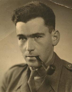 Hanns Alexander: a família do jovem judeu fugiu para a Inglaterra, para não morrer, e ele, que se tornou capitão do exército britânico, esteve no desembarque na Normandia e se tornou um eficiente caçador de nazistas. Foto: The Telegraph