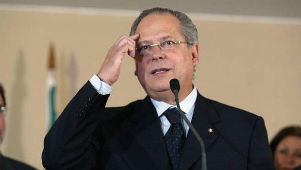 Barroso autoriza Dirceu a passar fim de ano em Minas Gerais