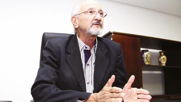 """Presidente do Cremego, Erso Guimarães: """"É dever do Conselho fiscalizar e punir esses profissionais para que esse elo seja quebrado"""""""