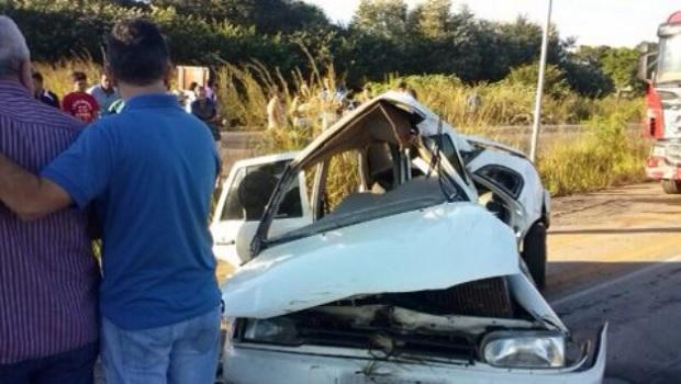 Homem morre e quatro pessoas ficam feridas em acidente na BR-060