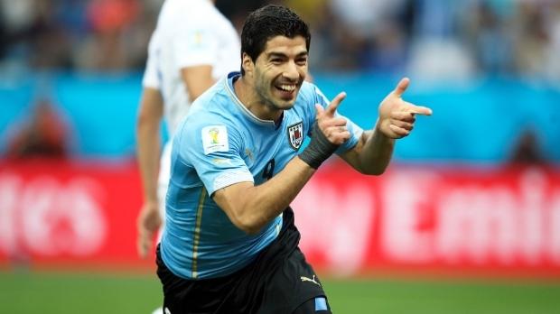 Luis Suárez, jogador do Uruguai, fez os dois gols que derrotaram a Inglaterra/ Foto: espn.com.br