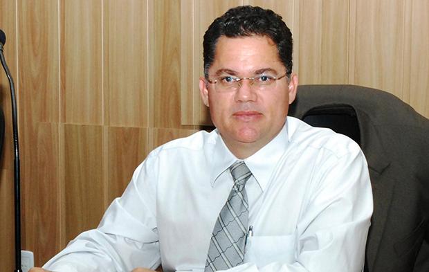 Vereador de Goianésia alega manobra para não cassar parlamentar condenado por estupro