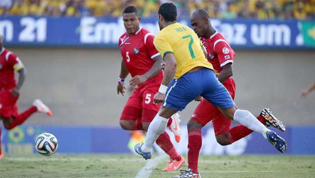 Brasil goleia Panamá no Serra Dourada em penúltimo jogo antes da Copa do Mundo