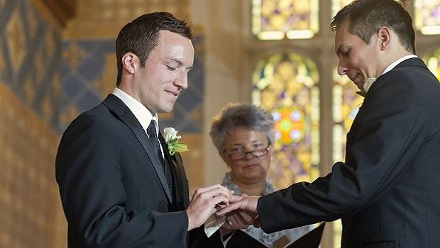 casamento-gay-homens-igreja2
