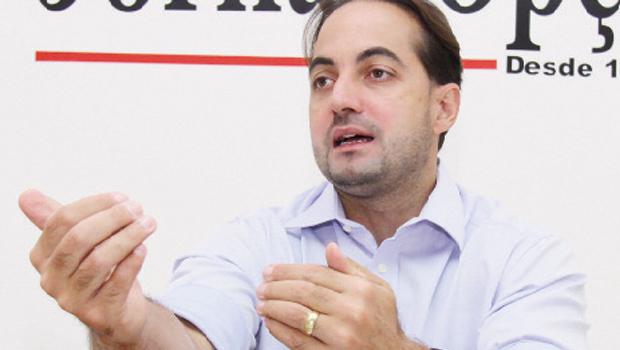 """""""É muito pouco provável que o PMDB  apoie Dilma. Se Vanderlan vier, vamos fechar com Eduardo Campos"""""""