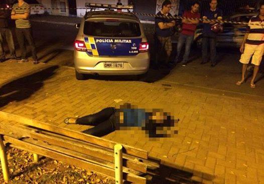 Duas jovens são assassinadas por motoqueiros na noite de domingo, em Goiânia