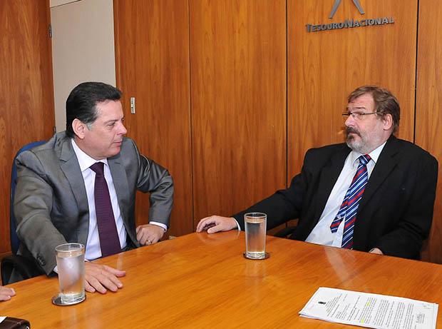 Marconi Perillo se reúne com secretário do Tesouro Nacional para discutir empréstimos para Celg e dívida externa