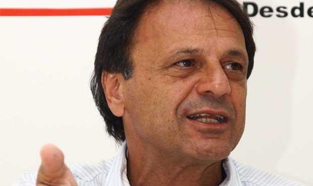 """Se Adib Elias cair, eu continuo como deputado estadual"", garante Ernesto Roller"