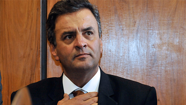 Aécio Neves tenta manter Delegado Waldir no PSDB
