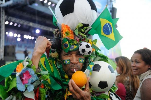 Torcedor enfeitado durante Fifa Fun Fest no Rio de Janeiro   Foto: EBC