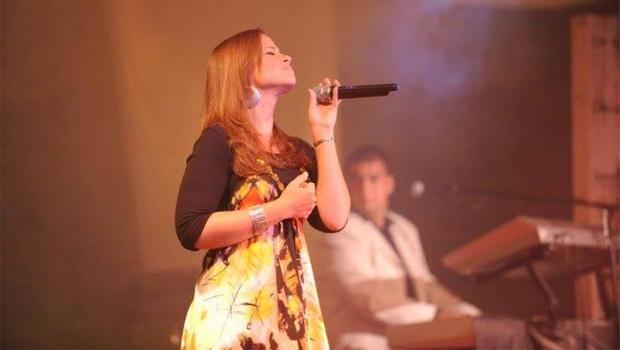 Para a cantora Renata Guerra, de 23 anos, o mercado gospel goiano está hoje muito mais atrativo do que foi há cinco anos / Foto: Reprodução Twitter
