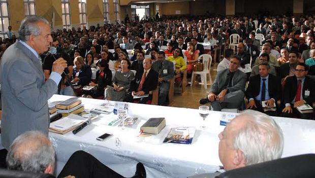 Ex-prefeito de Goiânia e candidato ao governo esteve em evento evangélio neste sábado | Foto: Divulgação
