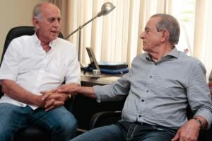 """Mauro Miranda: """"""""O que o Marconi vai mostrar como positivo ao eleitor? As obras que ele está entregando, o asfalto das rodovias. Isso é que algo que Iris já fazia desde 1983. O Iris não é velho para a política se olharmos por este enfoque""""   Foto: Reprodução Leandro Vieira"""