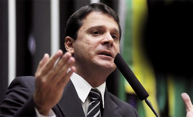 Senador Reguffe (Sem partido-DF) é autor da proposta que tramita na CCJ | Foto: Agência Senado