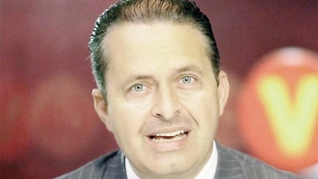 O líder do PSBEduardo Campos tinha apenas 9% das intenções de voto quando morreu na queda do avião