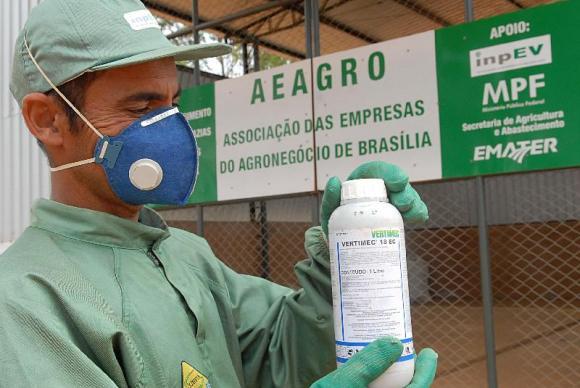 De 2002 até junho de 2014, mais de 300 mil toneladas de embalagens vazias de agrotóxicos tiveram destino ambiental corretoArquivo/Agência Brasil