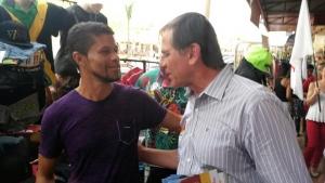 Candidato petista fez caminhada e conversou com eleitores em Águas Lindas, no Entorno do DF | Foto: Reprodução/Twitter