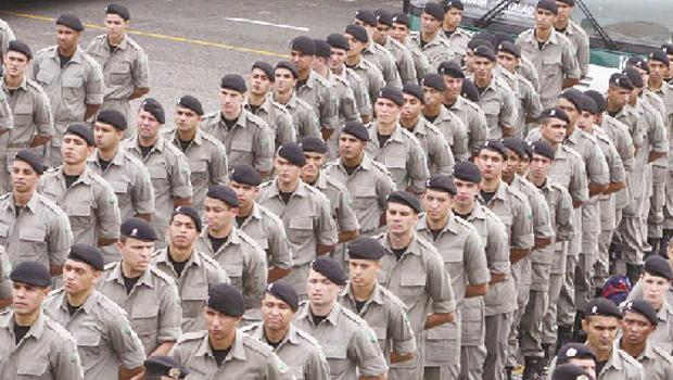 Policiais militares goianos hoje são muito mais bem remunerados do que na década de 1990 Foto: Diomicio Gomes