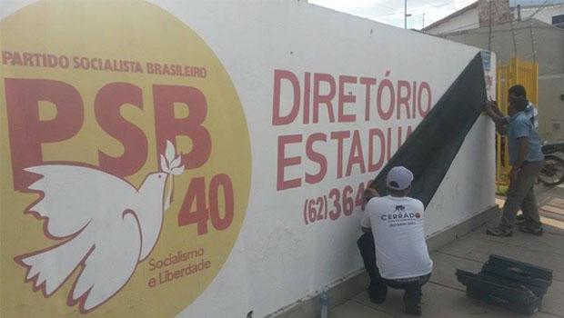 """""""O pessoal dói mais que a questão política"""", diz Vanderlan Cardoso sobre morte de Eduardo Campos"""
