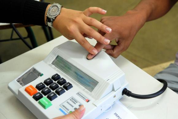 Urnas biométricas serão usadas por 15% do eleitorado brasileiro