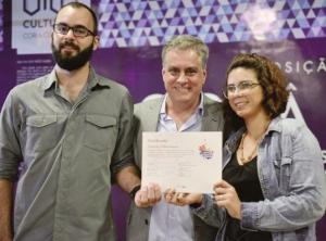 Editores premiados e o secretário de Cultura, Aguinaldo Coelho