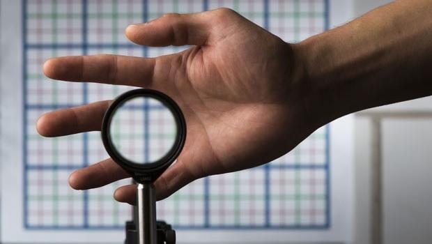 Veja Vídeo: Cientistas criam dispositivo que funciona como 'capa da invisibilidade' de Harry Potter