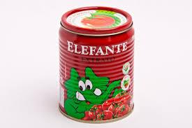 """Lote do extrato de tomate """"Elefante"""" é interditado após Anvisa encontrar pelo de roedor"""