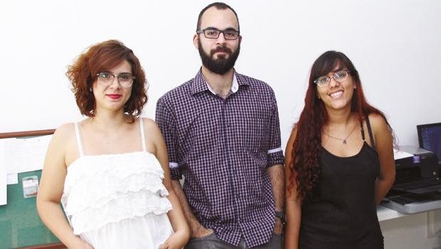 Ketllyn Fernandes (à esq.), Thiago Burigato e Sarah Teófilo: os premiados da equipe do Jornal Opção Online | Foto: Fernando Leite/Jornal Opção
