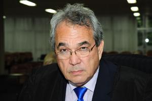 Desembargador Norival Santomé votou diferente do relator, desembargador Leandro Crispim, favorável ao afastamento sem prazo pré-estabelecido | Foto: Reprodução/TJGO