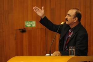 Vereador Izídio Alves (PMDB), que foi servidor efetivo da Comurg por 30 anos, afirmou que a partir do possível teor da matéria os vereadores deverão propor uma emenda e, até, pedir a retirada da proposta ou de alguns de seus itens | Foto: Renan Accioly