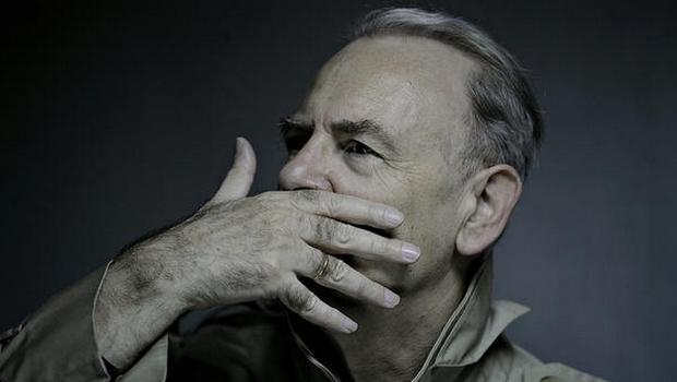 Romancista francês Patrick Modiano vence Nobel de Literatura